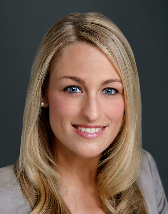 Image of Headshot Christina 550x700